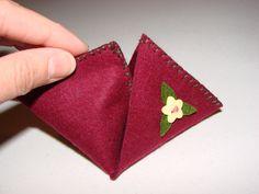 Felt pyramid coin purse (15)