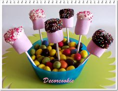 Galletas decoradas DecorCookie: Especial Comuniones I: ideas para mesas dulces Birthday Party Centerpieces, Birthday Parties, Cookies, Chocolate, Desserts, Food, Sweet Tables, Sweets, Decorated Cookies