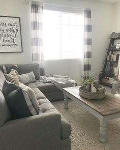 Keep current with the latest small living room decor some ideas (chic & modern). Discover excellent ways to get elegant style even although you have a small living room. Living Room Remodel, Home Living Room, Apartment Living, Small Living Room Design, Living Room Designs, Tiny Living, Modern Farmhouse Living Room Decor, Farmhouse Decor, Modern Living