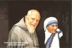 Mother Teresa with Father Benedict Groeschel of the Franciscan Friars of the Renewal, and EWTN host Missionaries Of Charity, Day Of Death, Saint Teresa Of Calcutta, Mother Angelica, Catholic Online, Mother Teresa Quotes, Save The Children, Catholic Saints, St Francis