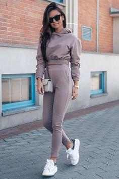 Ένας χώρος με ιδιαίτερα γυναικεία ρούχα και αξεσουάρ , με υψηλή ποιότητα και προσιτές τιμές.Έχουμε τα πιο στιλάτα είδη μόδας, μην ψάχνετε πουθενά αλλού, το Blush Greece είναι το δικό σας προσωπικό κατάστημα. Lazy Outfits, Cute Outfits, Playsuits, Jumpsuits, Mocca, Short Tops, Slim Legs, Fashion Sketches, Hoodies
