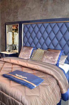 кровать со стеганным изголовьем Bed Headboard Design, Bedroom Bed Design, Headboards For Beds, Home Decor Bedroom, Bed Back Design, Camas King, Beautiful Bedrooms, Sofa Design, Bedroom Furniture