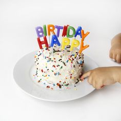 A baby's first healthy birthday cake, easy to make with all natural ingredients. A delicious, healthy and easy to make version of a baby's first healthy smash cake.
