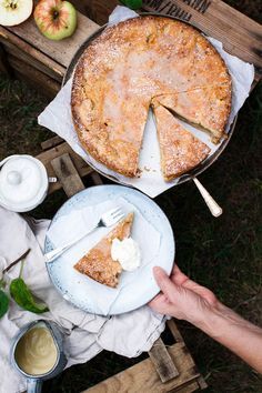 Gedeckter Apfelkuchen mit Kardamom - Hey Foodsister Apple Tarts, Camembert Cheese, Sweet Treats, Food, Bakken, Chef Recipes, Food Food, Apple Pies, Sweets
