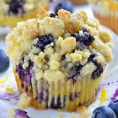 This EASY RECIPE with Greek yogurt makes the best, moist, homemade, bakery style Lemon Blueberry Muffins with streusel crumb topping.The best BREAKFAST IDEA desserts blueberry Lemon Blueberry Muffin with Streusel Crumb Topping Blueberry Crumble Muffins, Lemon Muffins, Blue Berry Muffins, Streusel Topping For Muffins, Blueberry Bread, Greek Yogurt Recipes, Blueberry Recipes, Lemon Blueberry Cupcakes, Muffin Recipes