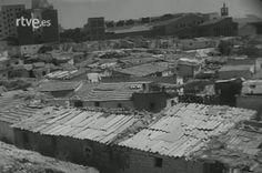 1957 - Chabolas en Jaime el Conquistador (Arganzuela) justo antes de su demolición. A los desalojados se les dió vivienda en el barrio de S. Fermín.