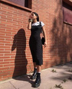 My style grunge outfits « Matchesfashions Mode Outfits, Retro Outfits, Grunge Outfits, Cute Casual Outfits, Dress Outfits, Vintage Outfits, Girl Outfits, Grunge Dress, Black Midi Dress Outfit