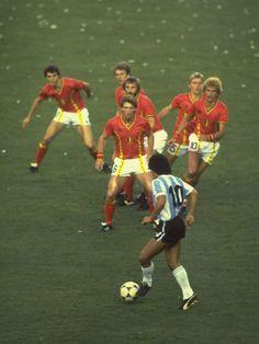 Libera tu energía, PRACTICA DEPORTES!!! Dont worry, wait for your. Maradona