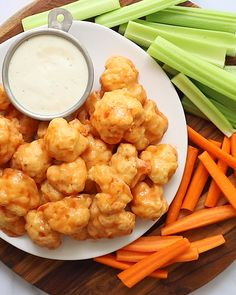 Cauliflower Buffalo Wings- this easy vegan recipe is going to be your new go to for parties and get togethers or even just weeknight dinners D This also makes for a great vegan appetizer vegan veganrecipe appetizer Vegan Recipes Videos, Vegan Dinner Recipes, Vegan Recipes Easy, Veggie Recipes, Vegetarian Recipes, Giada Recipes, Cauliflower Recipes, Easy Recipes For One, Easy Vegan Food