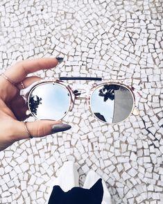 O que comprar na SALE + Wishlist para cada tipo de mulher, veja! óculos com detalhe em mármore espelhado