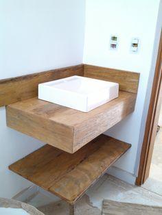 bancadas em madeira de demolição banheiro lavabo peroba rosa Grey Bathrooms, Small Bathroom, Brazil Houses, Wood Router, Woodworking Wood, Studio Apartment Decorating, Creation Deco, Wood Interiors, Floating Nightstand