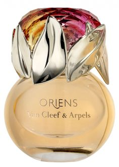 Van Cleef Arpels Oriens Perfume~~Sexy spicy --- Top notes are mandarin orange, black currant and raspberry; middle notes are jasmine and white flowers; base notes are patchouli, praline, amber and vanilla. Perfume Glamour, Best Perfume, Perfume Fahrenheit, Perfume Invictus, Beautiful Perfume, Fragrance Parfum, Perfume Scents, Body Creams, Lotions