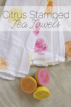 What a fun idea. Paint lemon halves and stamp them onto plain white tea towel. Awesome idea for a kids craft, housewarming gift, or just summer kitchen decor! Can't wait to try this.