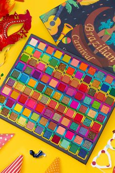 Guess what?😉 You can do anything with this gorgeous 99 shades eyeshadow palette! Big Eyeshadow Palette, Glow Palette, Makeup Palette, Makeup Artist Kit, Baby Alive, Lei, Colorful Makeup, Eye Make Up, Eyeshadows