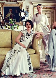 Downton Abbey, August 2014 Harper's Bazaar UK ~ Lady Mary Michelle Dockery in Philosophy by Alberta Ferretti, Lady Rose Lily James in Alexandra Rich, & Lady Edith Laura Carmichael in Calvin Klein Collection Lady Mary, Michelle Dockery, Matthew Crawley, Laura Carmichael, Downton Abbey Fashion, Dresscode, Gentlemans Club, Retro Mode, Elsa Peretti