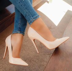high heels – High Heels Daily Heels, stilettos and women's Shoes Fancy Shoes, Pretty Shoes, Beautiful Shoes, Cute Shoes, Beautiful Women, High Heel Boots, Heeled Boots, Shoe Boots, Hot Heels