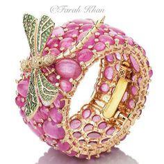 farahkhanali  #dragonfly #gold #diamonds