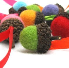 Felted acorns. Make this for Christmas tree ornaments or gift wrapping decoration.