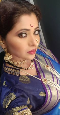 Indian Beauty, Actresses, Marathi Nath, Face, Natural Beauty, Beautiful, Jewelry, Blouse, Hot