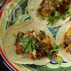 Photo Recipe: Tacos al pastor Real Mexican Food, Mexican Food Recipes, Dinner Recipes, Ethnic Recipes, Mexican Pastries, Mexican Dishes, Tacos Al Pastor Rezept, My Favorite Food, Favorite Recipes