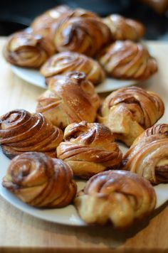 Bake sweet and buttery cinnamon buns, like a Scandinavian with this step by step guide.  Photo: Bianca Wessel / Little Scandinavian