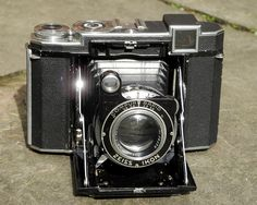 Zeiss Ikon, Super Ikonta (B) 532/16   Zeiss Super Ikonta B 532/16 (Germany 1952).   Flickr - Photo Sharing!
