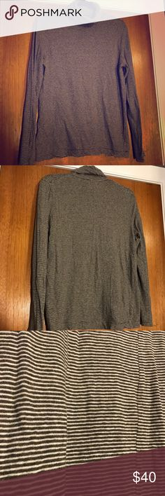 Madewell Turtle Neck Shirt This is a thin, jersey material turtle neck. Perfect for layering or all on its own! It is a dark olive & cream color. Only worn once! Madewell Tops Tees - Long Sleeve