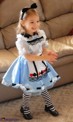 Alice In Wonderland Costume <3 2012 Halloween Costume Contest