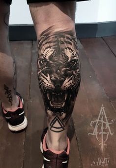 ▷ 1001 ultra cool tiger tattoo ideas for inspiration - Tattoos - Tattoo Calf Sleeve Tattoo, Sleeve Tattoos, Calf Tattoo Men, Inspiration Tattoos, Tattoo Ideas, Leg Tattoos, Body Art Tattoos, Dragon Tattoos, Small Tattoos