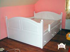 Egyedi elképzelések szerint készült ágy két fiókos ágyneműtartóval