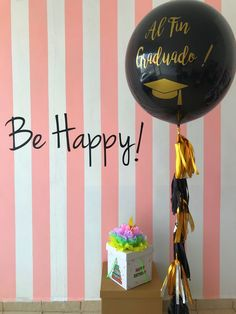 Arreglos para graduación de universidad Balloons And More, Big Balloons, Balloon Arrangements, Ideas Para Fiestas, Real Love, Pink Candy, 40th Birthday, Instagram Story, Graduation