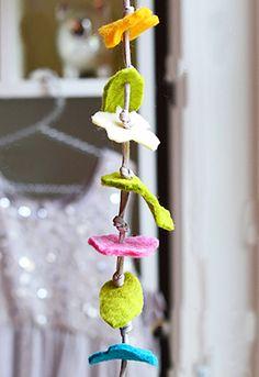 Make Felt Flower Garland | willowday