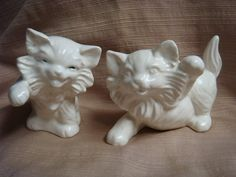 2 VINTAGE White Ceramic HAPPY PERSIAN KITTY CATS Waving & Dancing