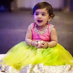 Pearls Work Blouse – Indian Dresses The Effective Pictures We Offer You About B… - Herzlich willkommen Kids Indian Wear, Kids Ethnic Wear, Indian Baby Girl, Kids Dress Wear, Kids Gown, Kids Wear, Boy Dress, Baby Frocks Designs, Kids Frocks Design