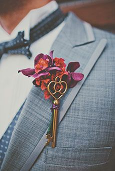 A Vintage Skeleton Key Boutonniere | Wedding Flowers