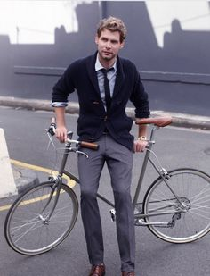 The Style of a Guy. #bicycle #urbanity