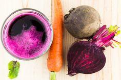 ISi vous ne voulez jamais faire face à un cancer, vous devez essayer ceci!  – Un demi-kilogramme de carottes  – Un demi-kilogramme de betteraves  – Une poignée d'abricots secs  – Une poignée de raisins secs  – Une cuillère à café de miel