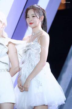 Jimin the heartless mafia king Kpop Girl Groups, Kpop Girls, Red Velvet Photoshoot, Red Velet, Kpop Couples, Kang Seulgi, Red Velvet Seulgi, Beautiful Bride, Korean Girl