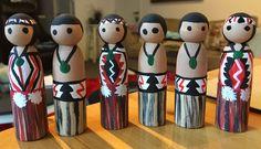 Maori peg dolls Waitangi Day, Christmas Ideas, Xmas, Crafts For Kids, Arts And Crafts, New Zealand Art, Maori Art, Year 6, Wooden Pegs