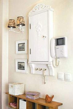 Zdjęcie numer 0 w galerii - Dla domu: szafka na skrzynkę elektryczną Bathroom Hooks, Entryway, Entrance, Appetizer, Entry Ways, Hall, Mud Rooms