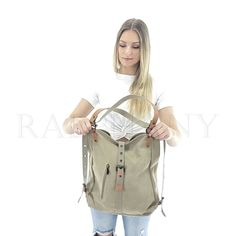 Savannah This is the most practical bag of the summer of It can be transformed in a few seconds and its storage space is incredibly well designed. Diy Bags Purses, Purses And Handbags, Tote Backpack, Tote Bag, Backpack Outfit, Duffle Bags, Messenger Bags, Travel Backpack, Everyday Bag