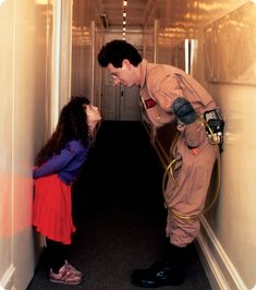 Harold Ramis and his daughter Violet during the filming of Ghostbusters 1984 Harold Ramis, Jokes Pics, The Real Ghostbusters, Movie Shots, Ghost Busters, Friends Tv, Film Movie, Movies And Tv Shows, Actors & Actresses