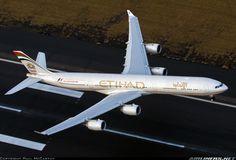 Ethiad A340 departs SYD for the trip to Abu Dhabi.