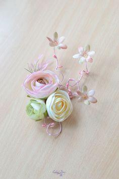 Bridal floral hair clip Wedding hair vine Pastel floral by Vualia