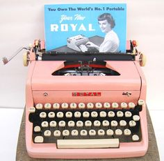 Love typewriters and typewritten notes! They're quite lovely don't you think? Are you lucky enough to have a typewriter at home? I still remember the first one my parents bought when I was little.