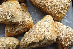 Sunde sandwichbrød | Brød og boller | Forstadsmor Danish Food, Baking Recipes, Danish Recipes, Sandwiches, Bread, Flutes, Cooking Recipes, Flute, Brot