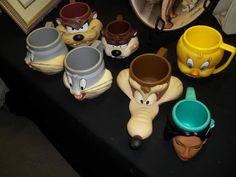 I think the Looney Toons cups are from KFC, with the exception of the smaller Taz cup. I tried to get the Taz one, my fav character, but they were all sold out. So I have the Wile E. Coyote cup.