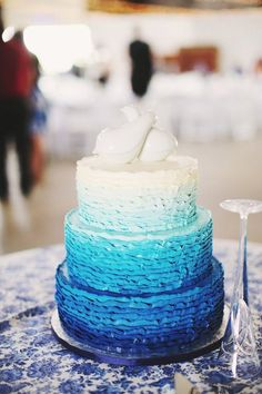 gateau-mariage-bleu-degrade