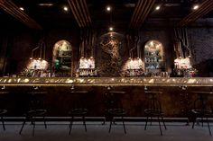 Victoria Brown Bar & Restaurant by Hitzig Militello arquitectos