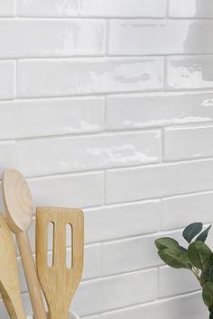 Kitchen Splashback Tiles, White Subway Tile Backsplash, Grey Kitchen Island, Ceramic Wall Tiles, Updated Kitchen, Küchen Design, Kitchen And Bath, Kitchen Remodel, Arizona Travel